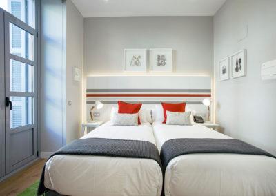 Habitación doble exterior Hotel Donostia-San Sebastián LegazpiDoce detalle 001