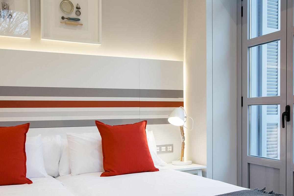 Habitación doble exterior con balcón Hotel Donostia-San Sebastián LegazpiDoce detalle 001