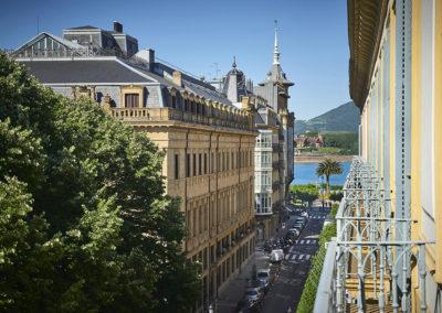 Habitación doble exterior con balcón Hotel Donostia-San Sebastián LegazpiDoce detalle 003
