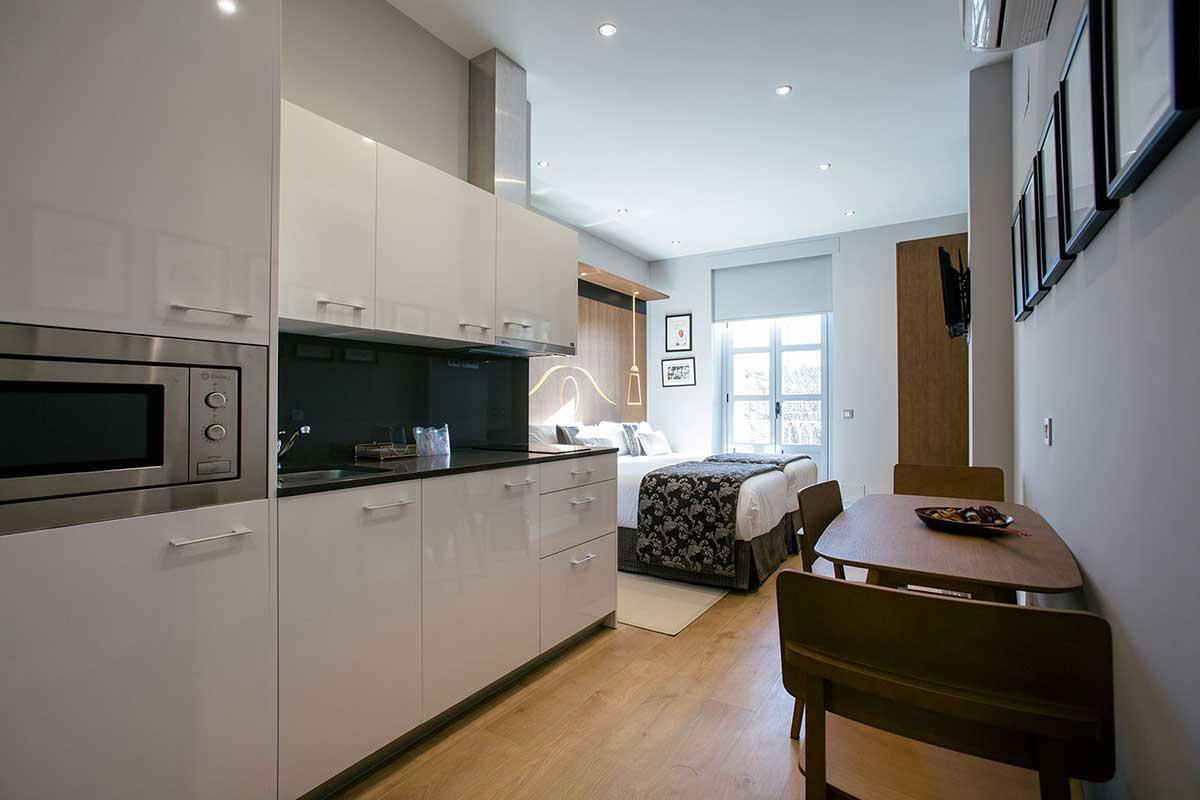 Studio Suite Exterior con Balcón Hotel Donosta-San Sebastián Legazpidoce 001