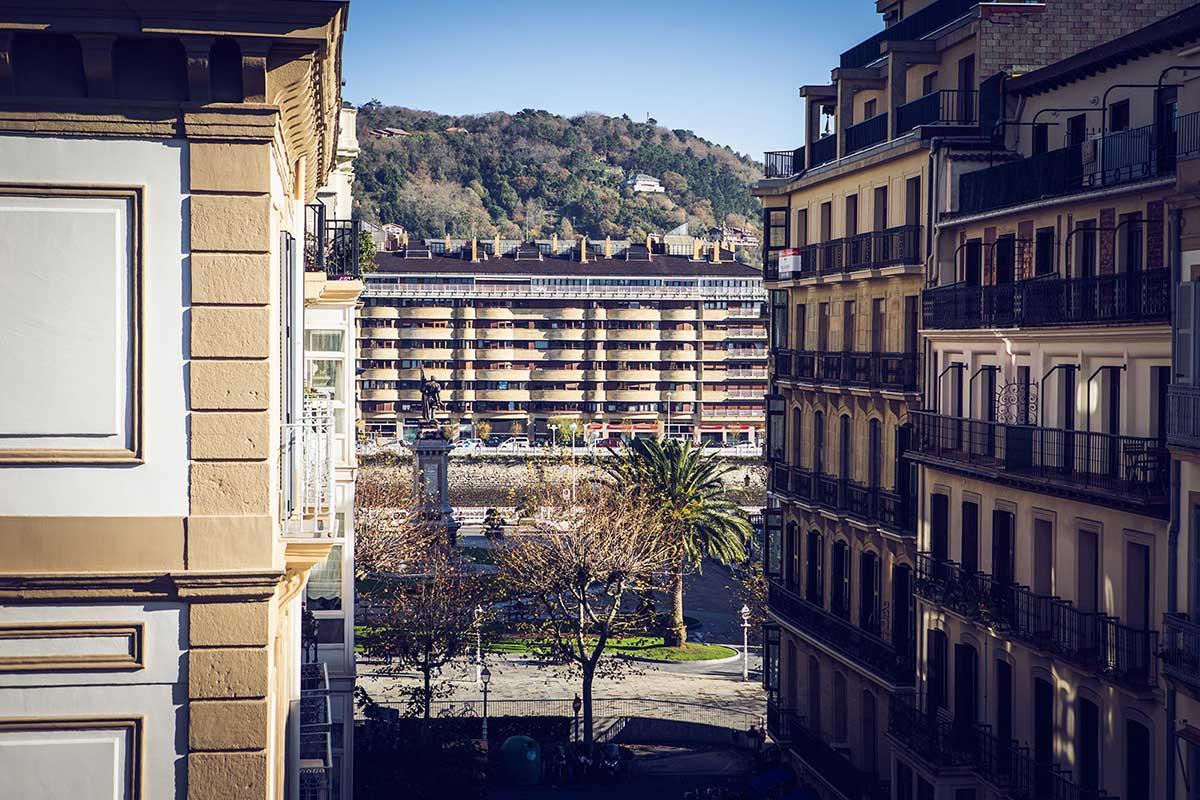 Studio Suite Exterior con Balcón Hotel Donosta-San Sebastián Legazpidoce 002