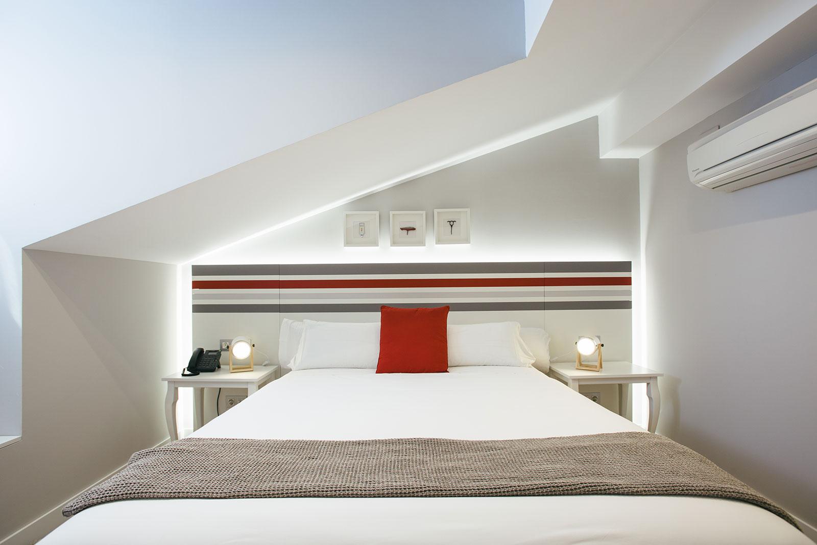 Exterior bedroom double bed